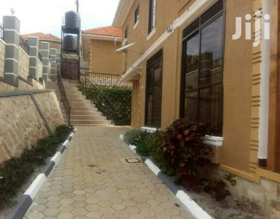 Jaw Dropping 5bedroom Mansion In Bwebajja Entebbe Road | Houses & Apartments For Sale for sale in Kampala, Central Region, Uganda