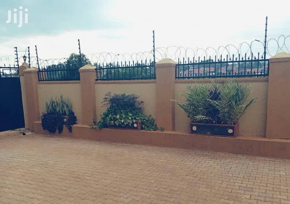 Elegant and Classic 4bedroom Home in Naalya Namugongo