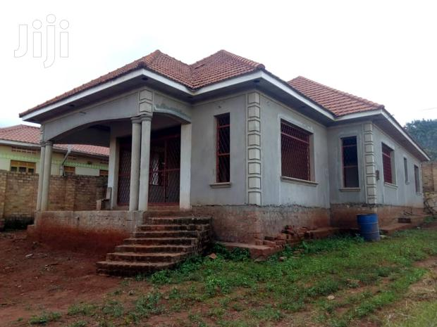 Archive: Shell House In Seguku For Sale