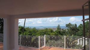 Beautiful 3 Bedroom Colonial Bungalow With a Soectacular Lake View