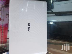 Laptop Asus 4GB Intel Atom SSD 60GB