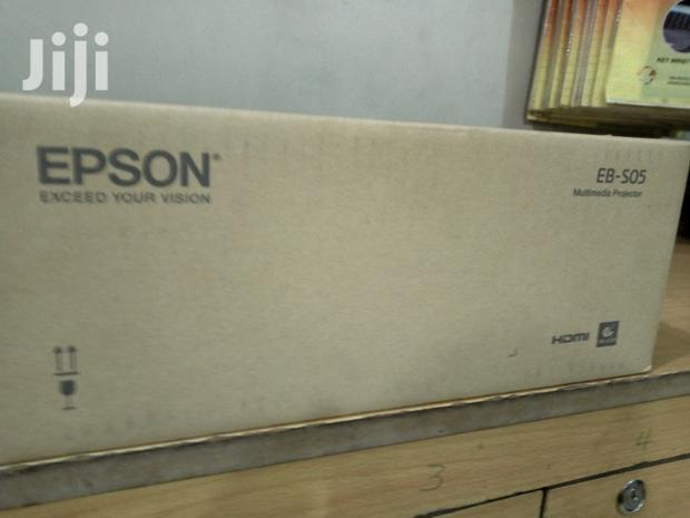 Archive: Projector Epson EB S05