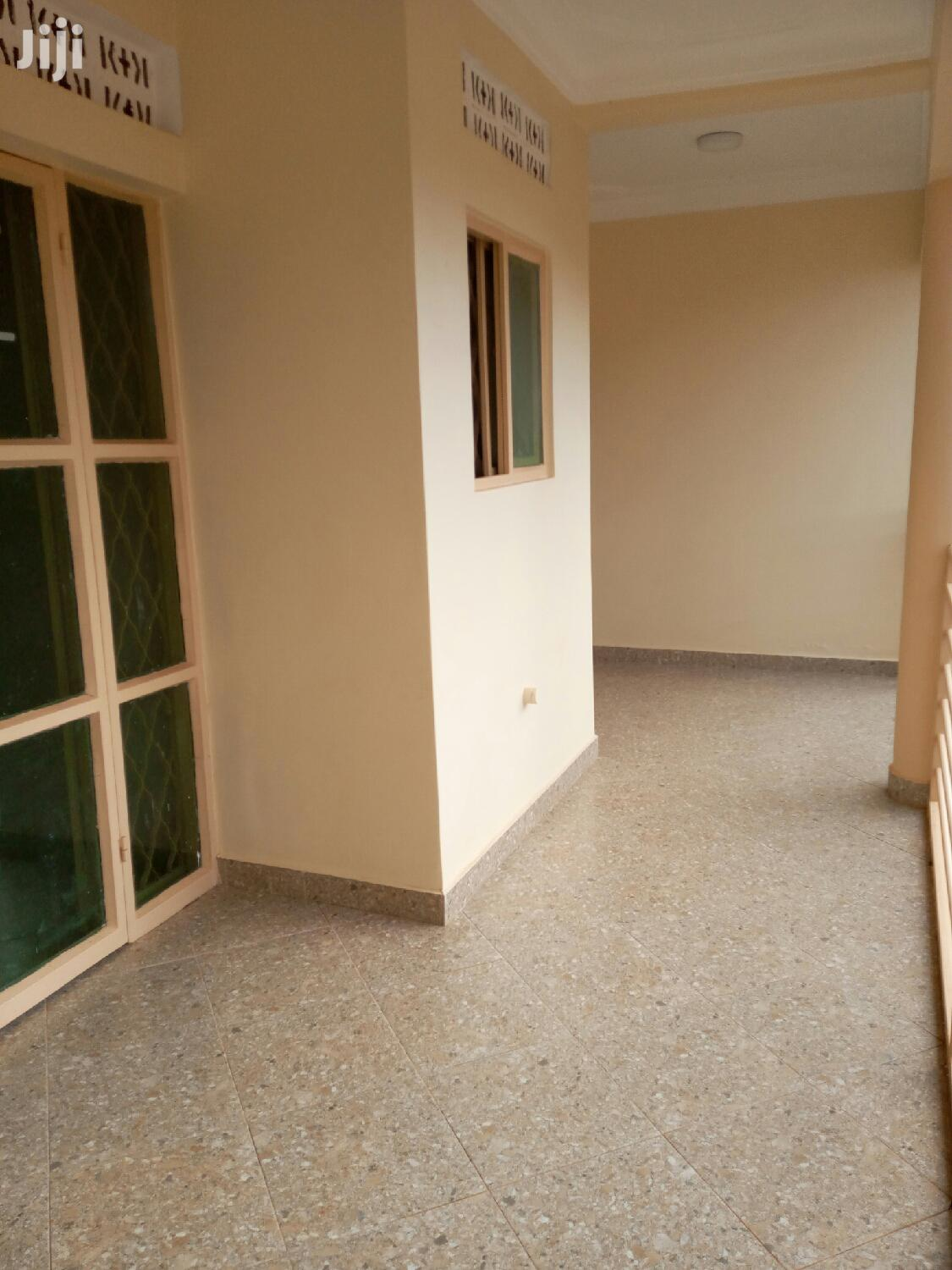 New Executive Apartment Double In Mutungo