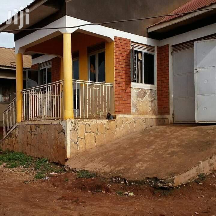 Very Specious Home On Quick Sale In Salama Munyonyo At Very Give Away