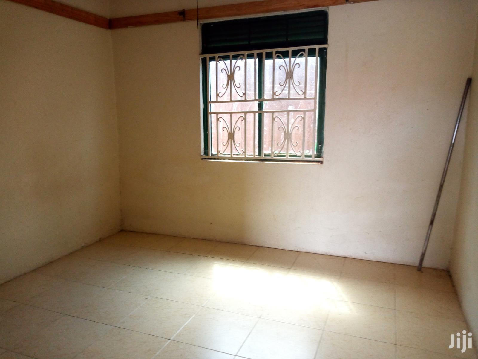 Archive: Bweyogerere Modern Double Room for Rent